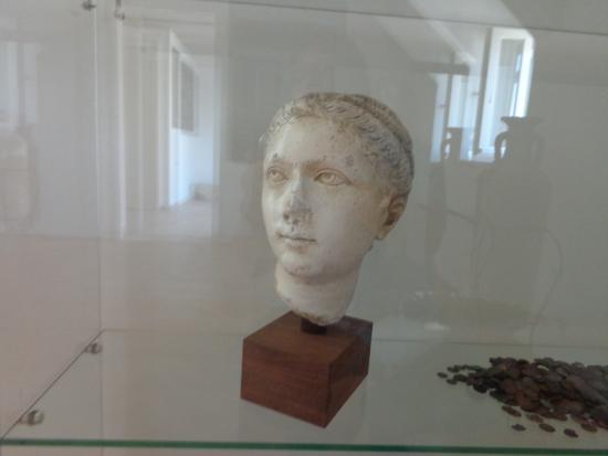 Solin, โครเอเชีย: head