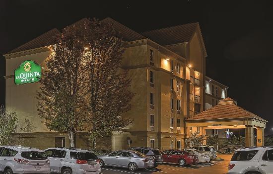 La Quinta Inn & Suites Pigeon Forge : Exterior view