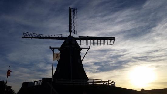 Fulton, Ιλινόις: Windmill Cultural Center