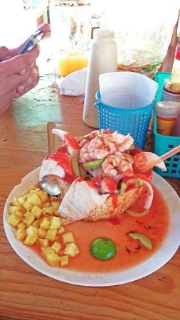 Los Camarones Tacos y Mariscos