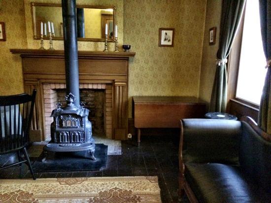 Merveilleux Gibson House Museum: 室内1