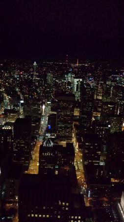 Sky View Observatory : Vista di notte