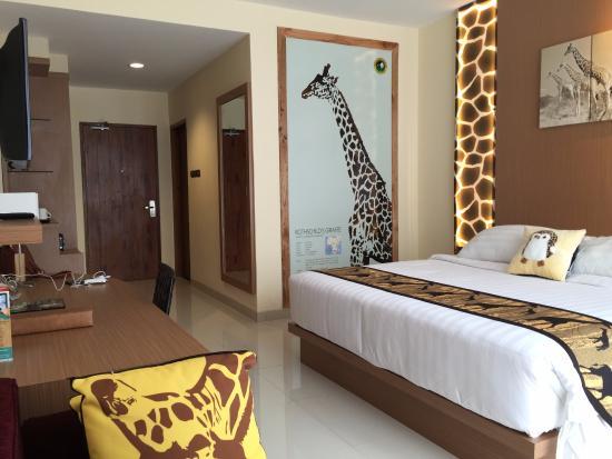 kamar bertema jerapah picture of royal safari garden resort rh tripadvisor ca