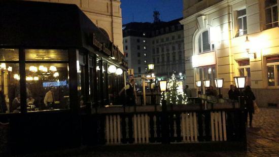 Gustl-Bauer: Traditional restaurant.