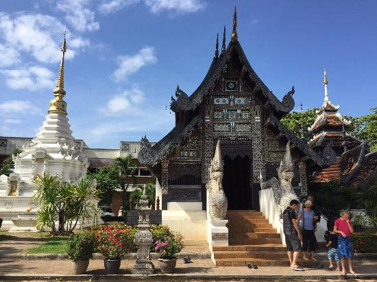 Wat Chedi Luang 2 - Picture of Wat Chedi Luang Varavihara ...