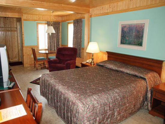 Blanc-Sablon, Kanada: Large Room with Seaview