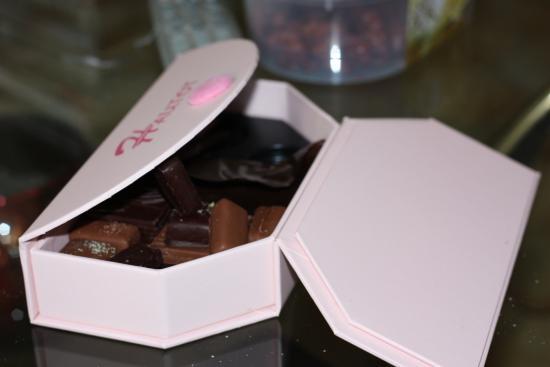 Chocolats Hautot : Boite à moitié vide.