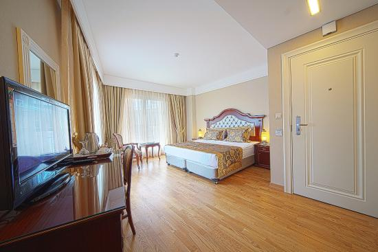 Recital Hotel: Superior Room