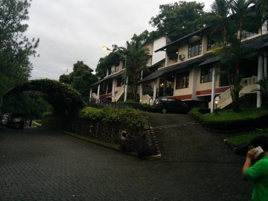 Gunung Geulis Golf Resort