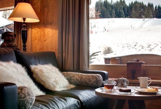 Chalet hotel La Marmotte : Salon au pied des pistes