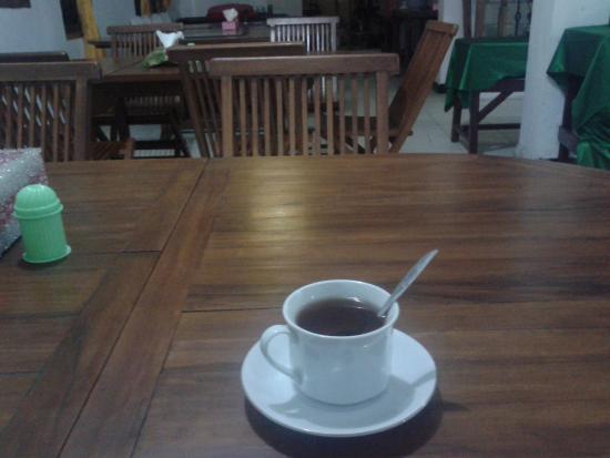 Hotel Fairuz Palangkaraya: Cafetary