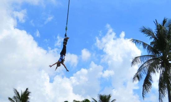 Samui Bungy Jump: Boys and girls, young and old...