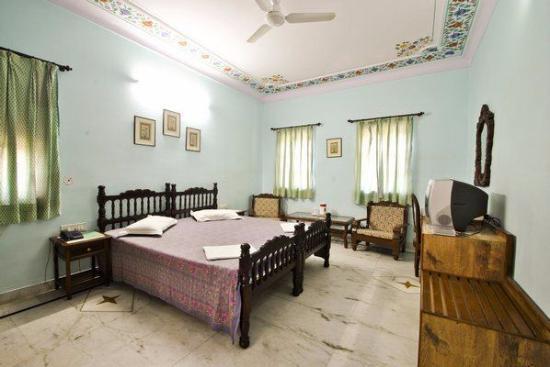 Hotel Anuraag Villa: Bed