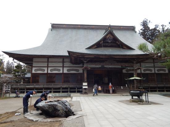 Chuson-ji Temple: อาคารในบริเวณวัด