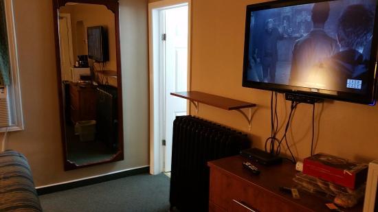 Moonlight Inn And Suites Sudbury : Room