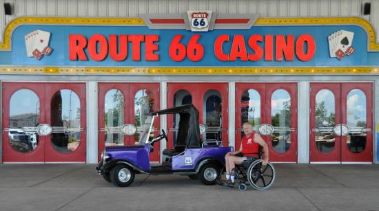 Route 66 Casino Hotel: Front entrance
