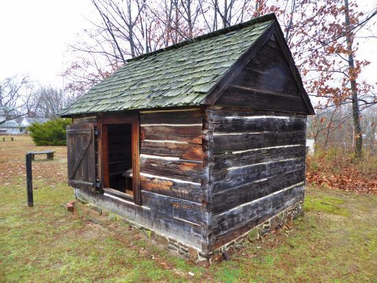 Street view foto di schorn log cabin swedesboro for Stili di log cabin