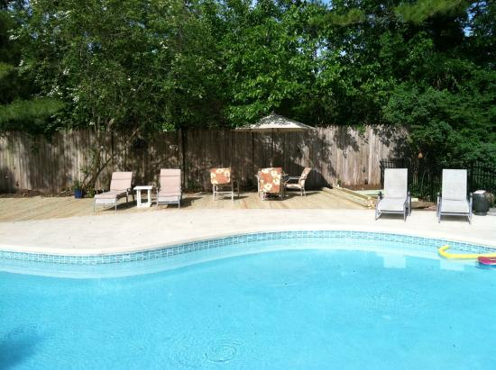 Snow Hill, MD: Inground heated pool