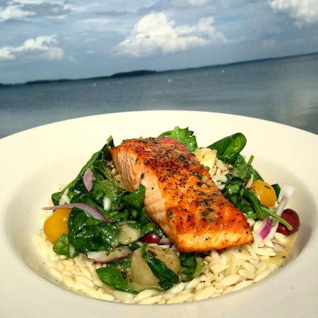 Piney Point, แมรี่แลนด์: Salmon Special