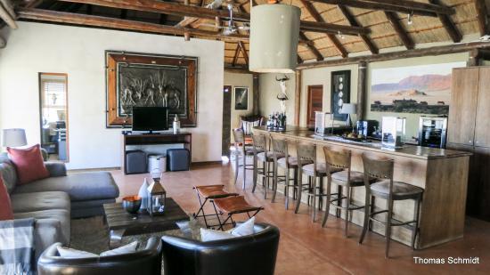 Hoodia Desert Lodge: Die Rezeption und Abendlounge