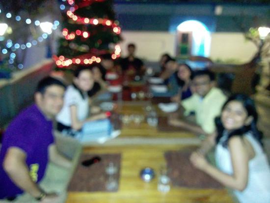 Blueline: Buffet dinner with friends