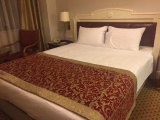 Taksim Metropark Hotel: muy buena habitacion con linda vista