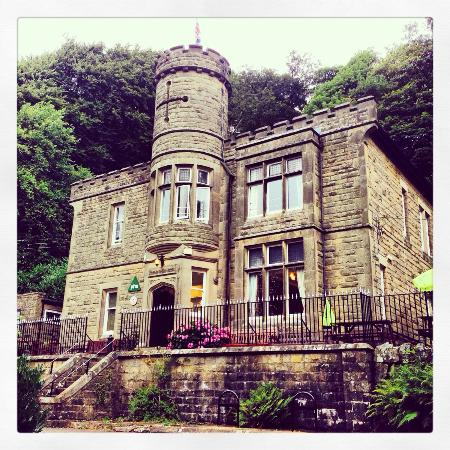 YHA Eyam is certainly an impressive Manor House