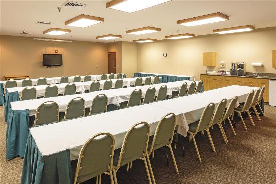 La Quinta Inn & Suites Eugene : meeting room