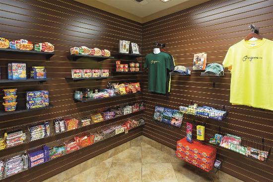 La Quinta Inn & Suites Eugene : pantry