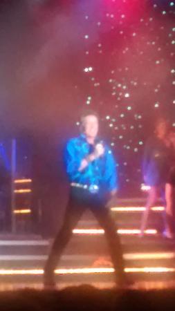 Branson, MO: Barry Williams singing