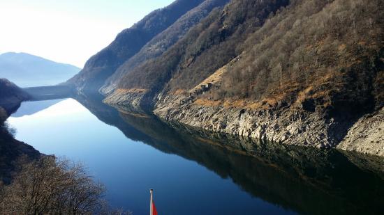 Vogorno, Suiza: 20151226_114624_large.jpg
