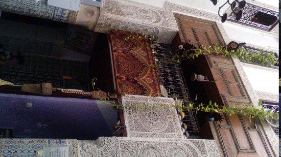 Dar Lalla Kenza: Miraculous decoration