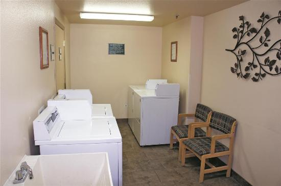 La Quinta Inn & Suites Wenatchee: laundry