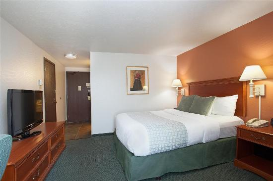 La Quinta Inn & Suites Ashland: Guestroom