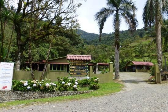 Kiri Mountain Lodge: Eingang