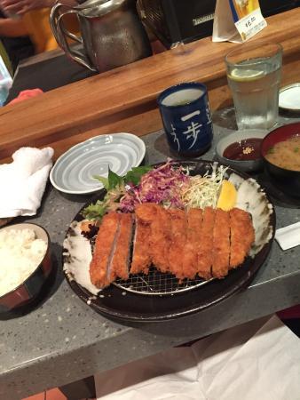 Chiba Ken: とんかつ定食です