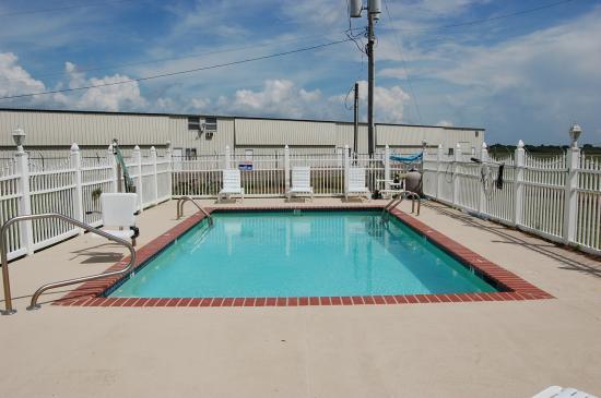 Abbeville, LA: Outdoor Pool