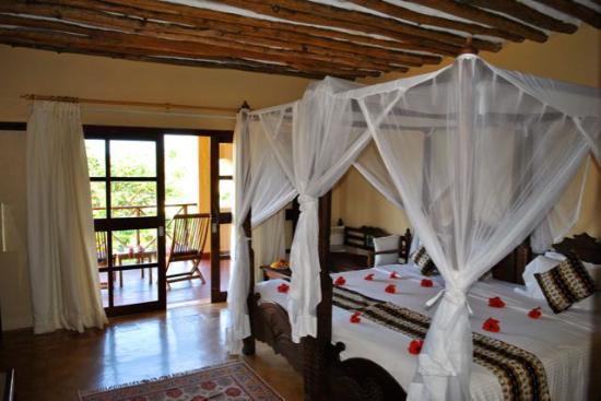 Neptune Pwani Beach Resort & Spa: Zimmer