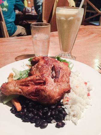 Casita Corcovado: Pollo Frito Casado