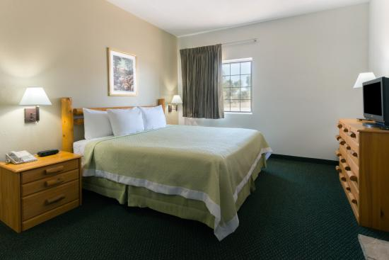 New Florence, MO: ZACUZI KING BED