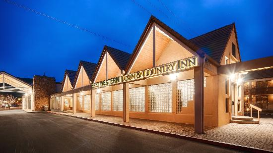 BEST WESTERN Town & Country Inn: Exterior