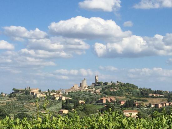 Relais Cappuccina: Vistas desde la piscina. San Gimignano
