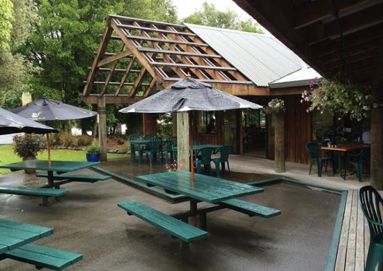 Beechwoods Cafe : outdoor seating
