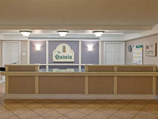 La Quinta Inn San Bernardino: Lobby