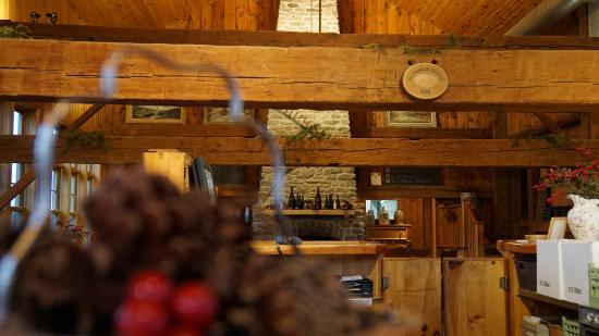Bloomfield, Καναδάς: Timber frame barn - Grange