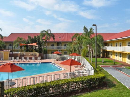 La Quinta Hotel Rooms