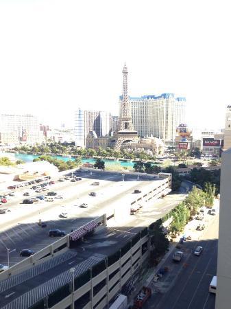 Las Vegas North Premium Outlets: torre