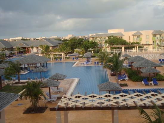 Pool 1 picture of melia jardines del rey cayo coco for Jardines del rey