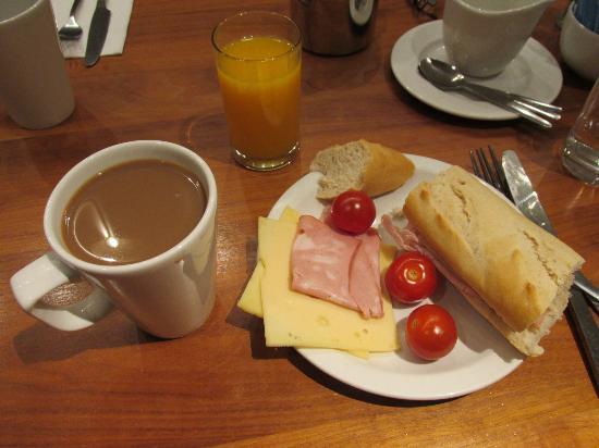 Holiday Inn London Bloomsbury: Una pequeña muestra de un desayuno