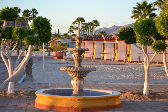 Las Palmas Hotel: Enjoy the ocean view rooms